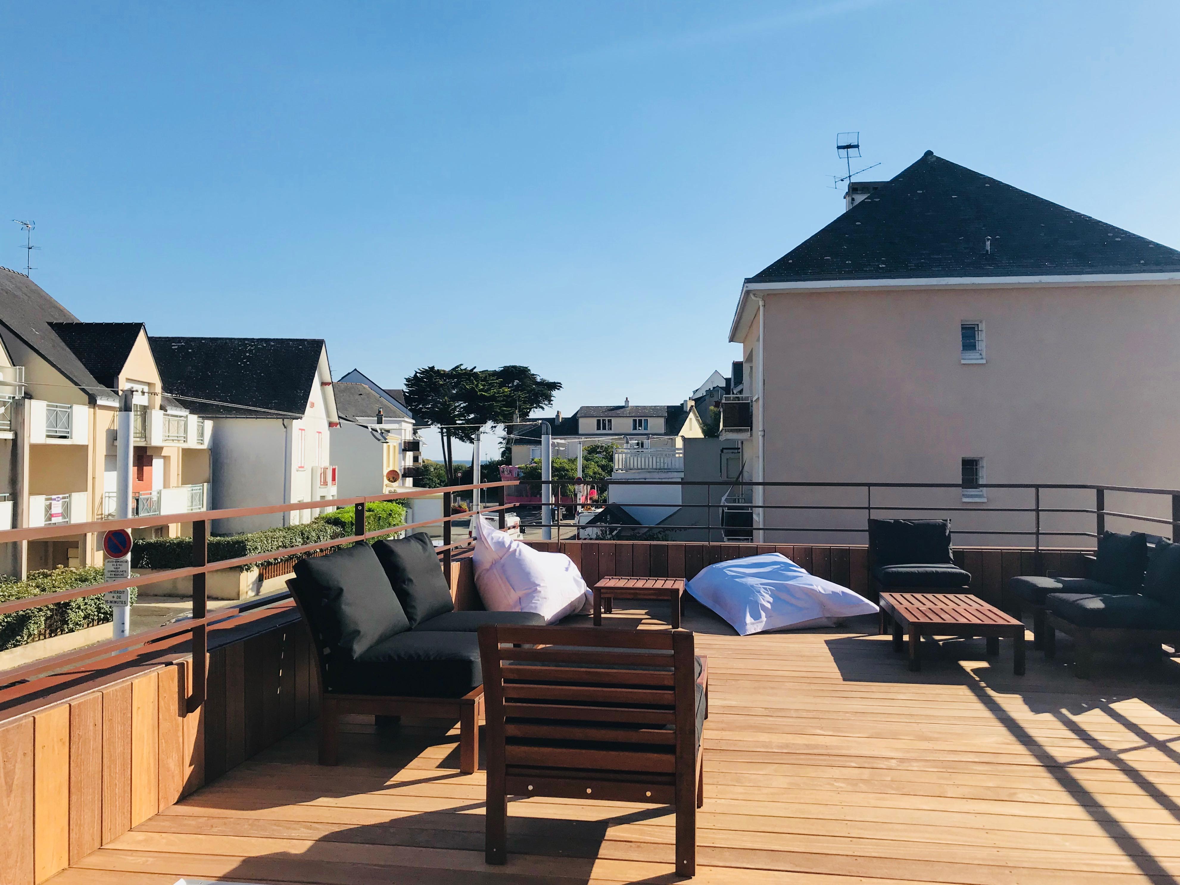 La terrasse Le Centre Affaire à Saint Nazaire pour les séminaires ou réunions.